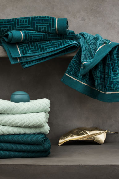 Jacquard-weave bath towel - Petrol - Home All | H&M CA 1