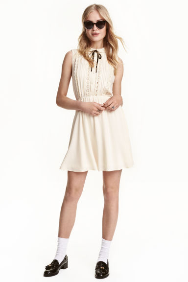 Sleeveless dress - Natural white - Ladies | H&M CN 1