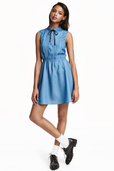 Sleeveless dress - Blue - Ladies | H&M CN