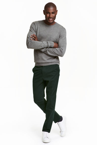 Premium cotton chinos Model