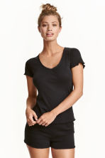 Pyjamas with shorts and top - Black - Ladies | H&M CN 1