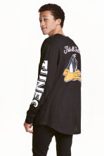 Printed long-sleeved T-shirt - Black/Looney Tunes - Men | H&M CN 1