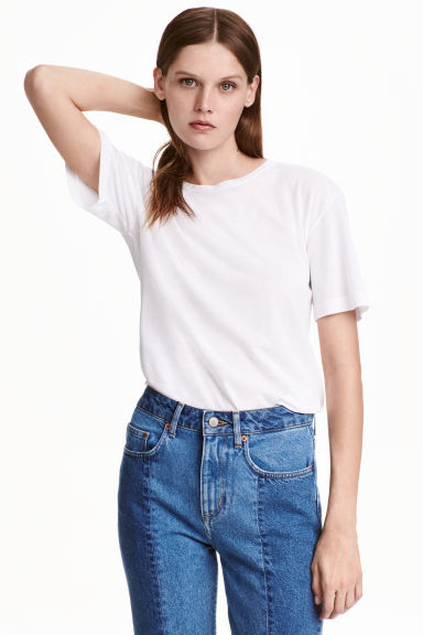 Short-sleeved top Model
