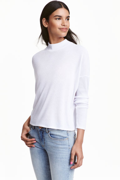 Ribbed turtleneck jumper Model