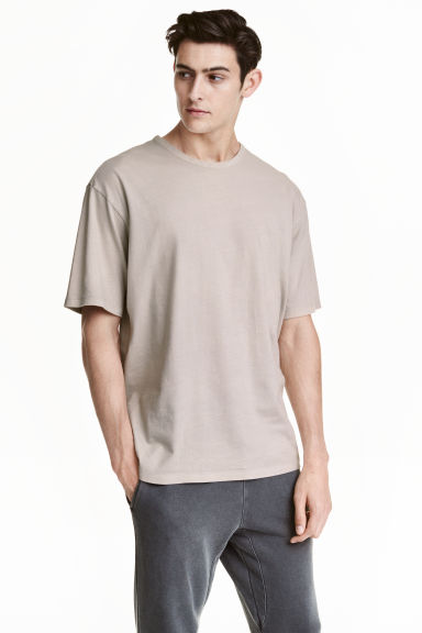 Wide T-shirt - Grey beige - Men | H&M CN 1