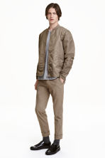 Suit trousers with turn-ups - Dark beige - Men | H&M CN 1