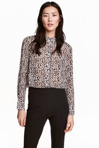 Blouse with a frilled collar - White/Leopard print - Ladies | H&M CN 1