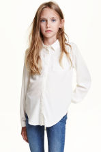 Blouse with lace details - White - Kids | H&M CN 1