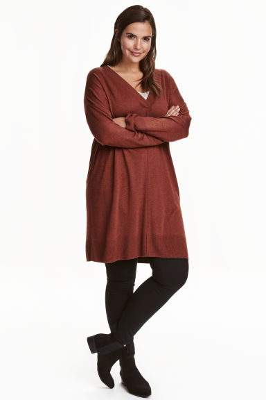 H&M+ Fine-knit tunic Model