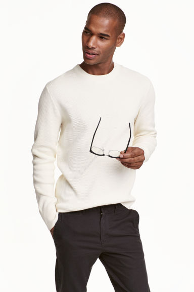 Jumper in a textured knit - Natural white - Men | H&M CN 1