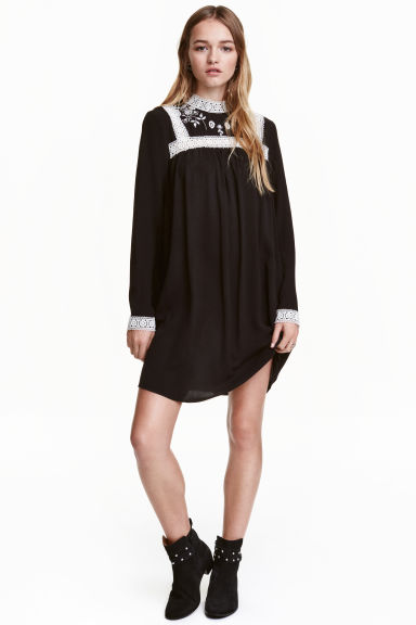 Embroidered dress - Black - Ladies | H&M CN 1