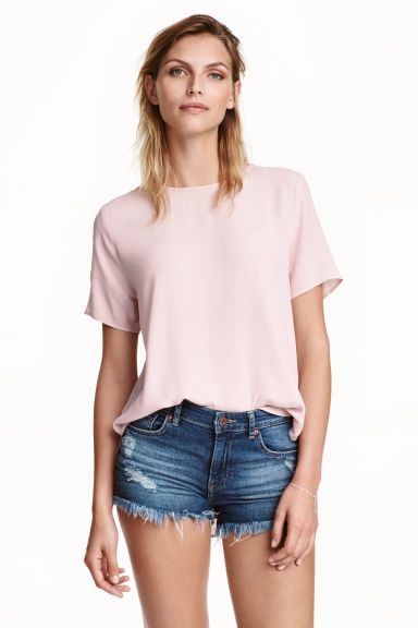 Short-sleeved blouse Model
