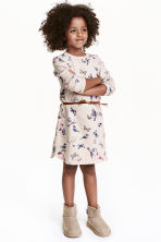 Dress with a belt - Light beige/Butterflies - Kids | H&M CN 1