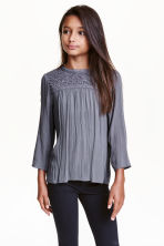 Blouse with lace details - Dark grey - Kids | H&M CN 1