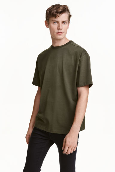 Wide T-shirt - Dark khaki green - Men | H&M CN 1