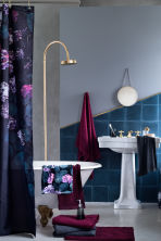 Photo-print shower curtain - Black/Hydrangea -  | H&M CN 1