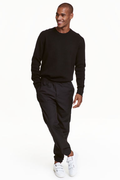 Joggers Regular fit - Black - Men | H&M CN 1