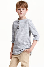 Henley shirt in slub jersey - Light grey marl - Kids | H&M CN 1