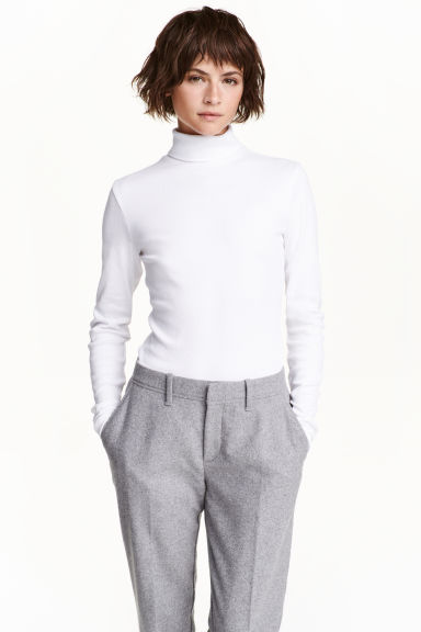 Ribbed polo-neck jumper Model