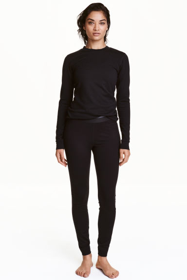 Wool base layer tights Model