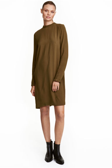 Dress with frill trims - Khaki green - Ladies | H&M CN 1