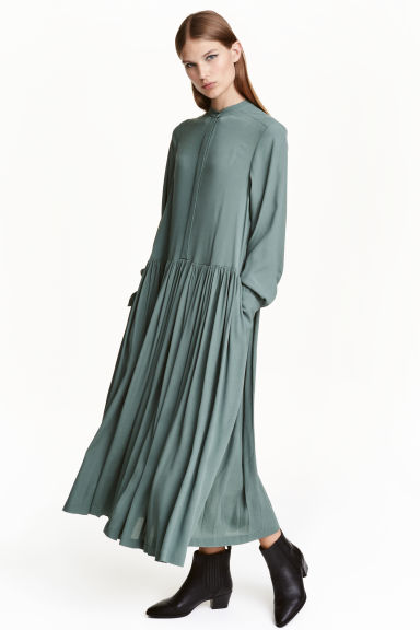 Crêpe dress - Green - Ladies | H&M CN 1