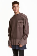 Sweatshirt with chest pocket - Dark brown - Men | H&M CN 1