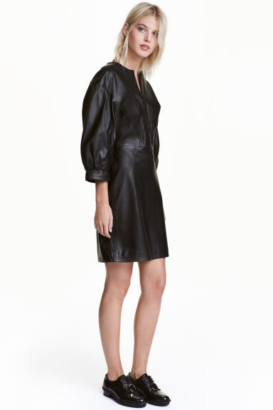 Balloon-sleeved leather dress