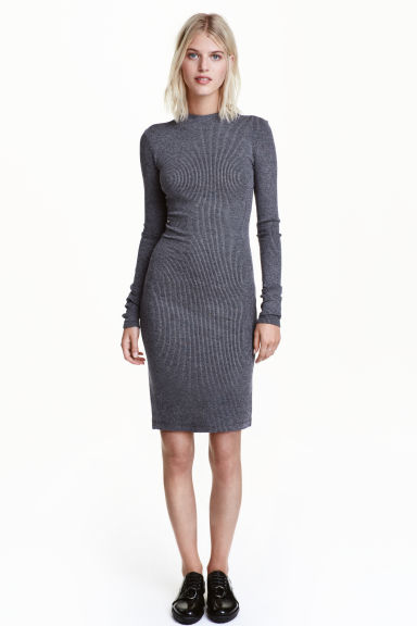 Ribbed jersey dress Model
