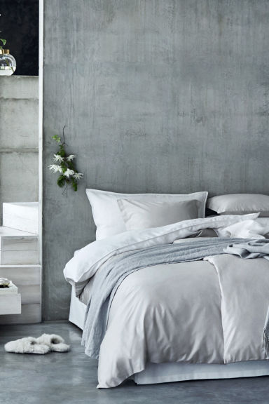 Washed linen pillowcase - White -  | H&M GB