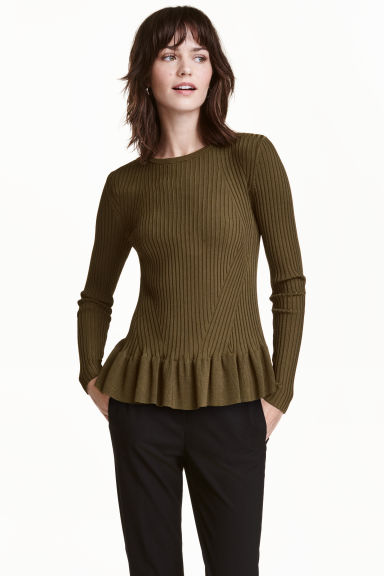 Ribbed jumper with a flounce - Dark Khaki - Ladies | H&M CN 1