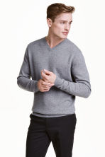 V-neck cashmere jumper - Grey marl - Men | H&M CN 1