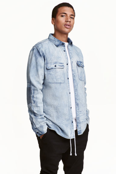 Denim shirt with smocking - Pale denim blue - Men | H&M CN 1
