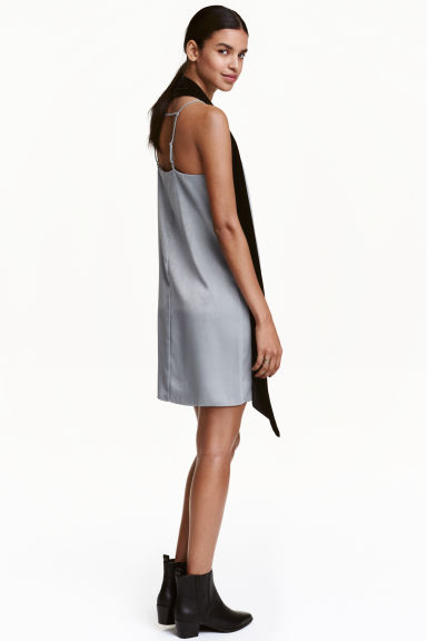 Satin dress - Silver - Ladies | H&M CN 1