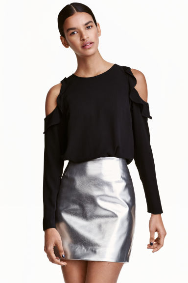 Cold shoulder crêpe blouse - Black - Ladies | H&M CN 1