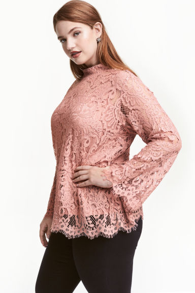 H&M+ Lace blouse Model