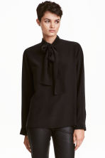 Silk pussy bow blouse - Black - Ladies | H&M 1