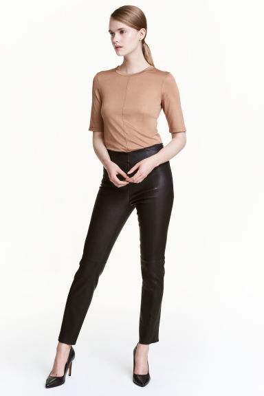 Leather trousers Model