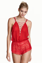 Playsuit in chiffon and lace - Red - Ladies | H&M CN 1