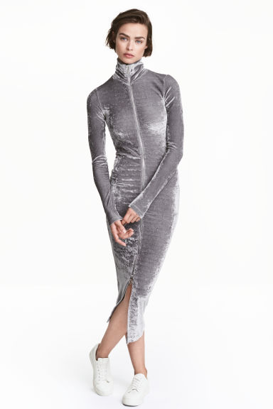Crushed velvet dress - Grey - Ladies | H&M CN 1