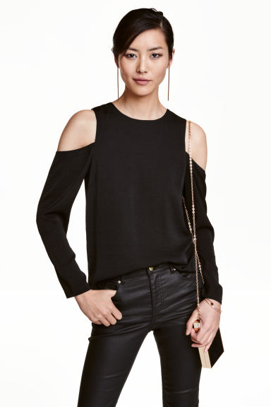 Top a spalle scoperte in satin - Nero - DONNA | H&M IT 1
