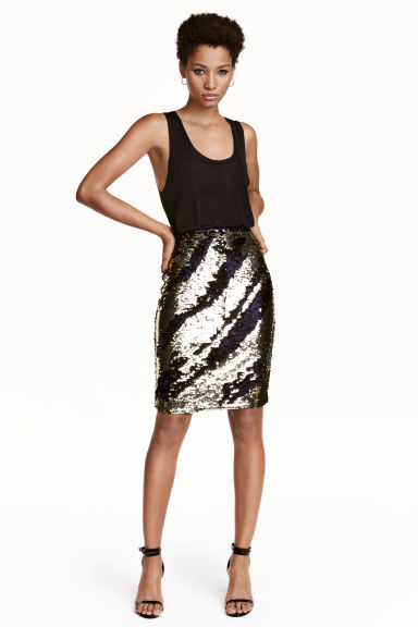 Sequined skirt Model