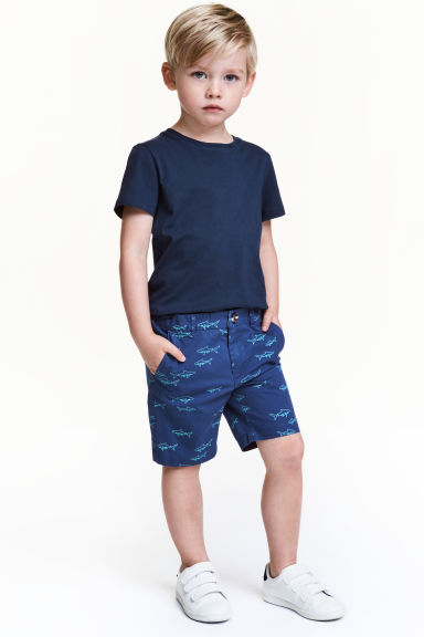 Chino shorts - Blue/Sharks - Kids | H&M CN 1