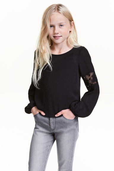 Crinkled top with lace - Black -  | H&M CN 1
