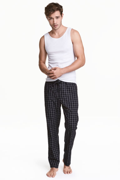 Patterned pyjama bottoms Model