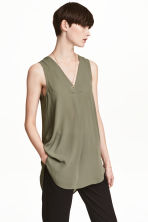 Crêpe blouse - Khaki green - Ladies | H&M 1