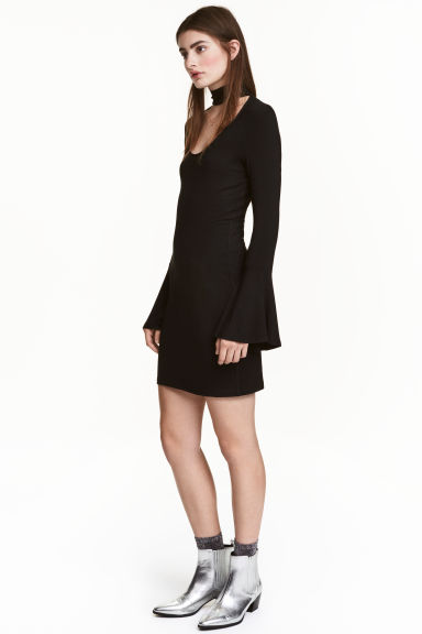Dress with trumpet sleeves - Black - Ladies | H&M CN