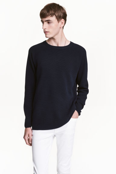 Textured jumper - Dark blue - Men | H&M