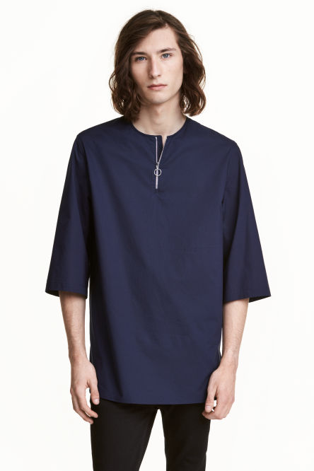 Long T-shirt with a zip