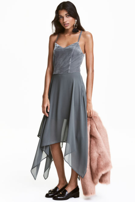 Dress with shoulder straps